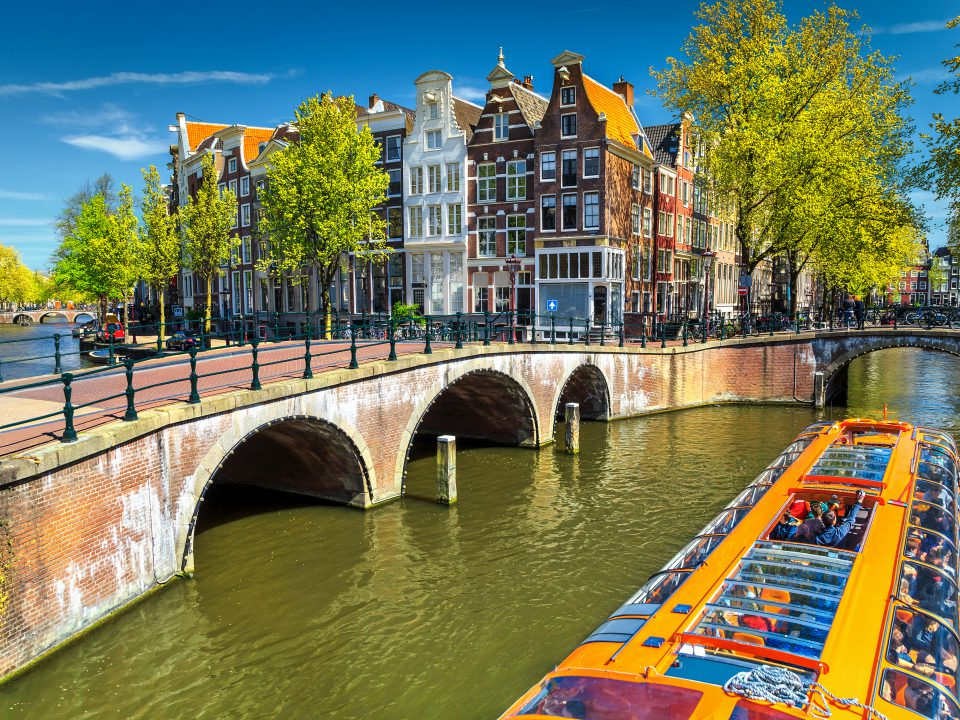 Stunning,Amsterdam,Canals,And,Typical,Dutch,Houses,In,Capital,Of